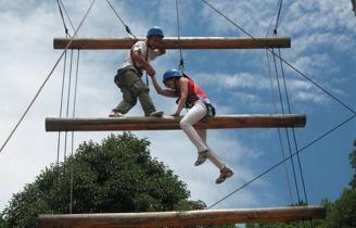成都拓展培訓-高空天梯-聯拓培訓-高效執行力課程